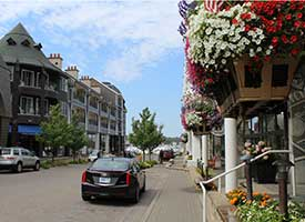 Stroll Our Sidewalks and Walk the Waterfront at the Village at Bay Harbor Harbour Ridge style=