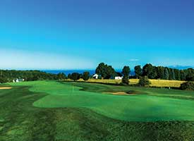This Northern Michigan Golf Resort is Worth the Drive, Especially with Fall Colors In Play Harbour Ridge style=