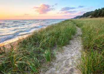 5 Ways This State Has Quietly Become the Coolest Place to Live in America Harbour Ridge style=