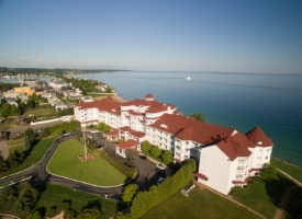 Staying at this Gorgeous Michigan Inn Should be on Your Bucket List Harbour Ridge style=