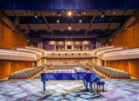 See How the Great Lakes Center for the Arts Returned to Center Stage Harbour Ridge style=